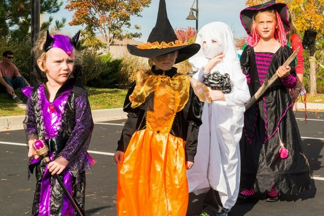 Trick-or-Treat Trails at Inspiration community near Parker CO