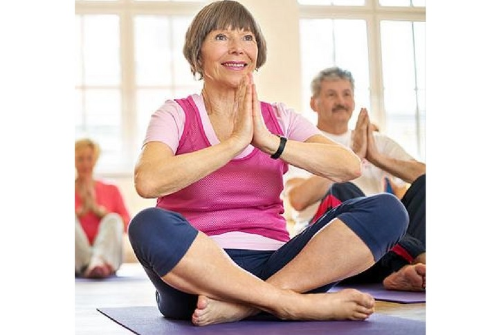 free introduction to yoga class at Hilltop Club for Inspiration community 55 plus residents