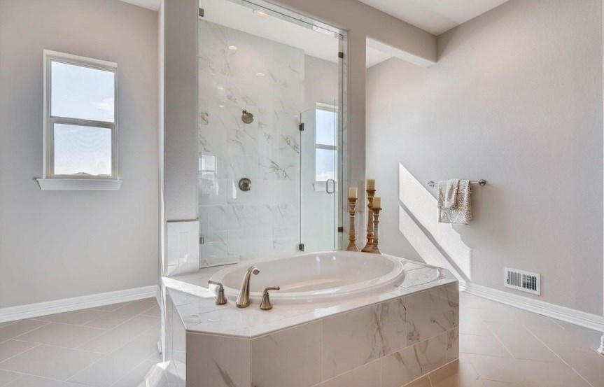 New home master bath at 8620 S. Sicily Ct by Toll Brothers | Inspiration CO