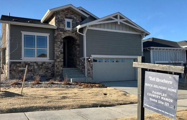 New home at 8535 S. Shawnee Ct by Toll Brothers (55+) | Inspiration Colorado