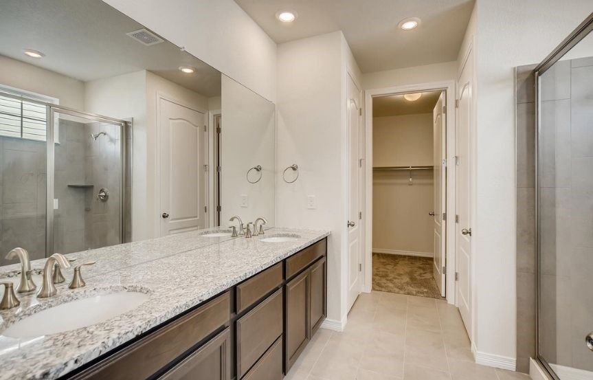 New home at 8862 S. Sicily Ct by Lennar 55+